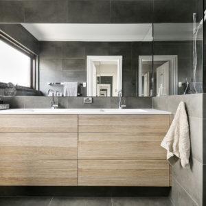Lavare Bathroom Renovation Hotel Luxury 01